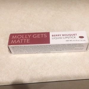 New in box matte berry liquid lipstick